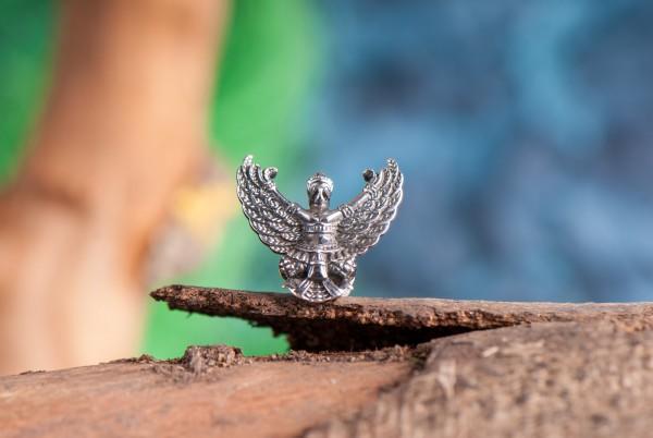 Garuda, Anhänger