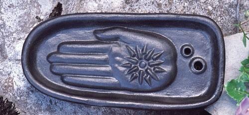Healing hand schwarz - Räucherhalter aus Keramik