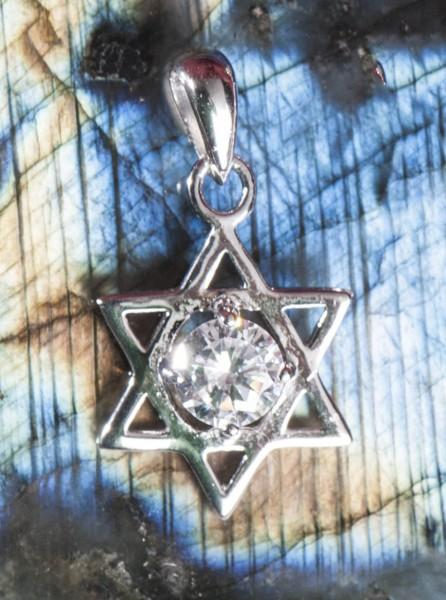 Hexagramm mit Kristallstein