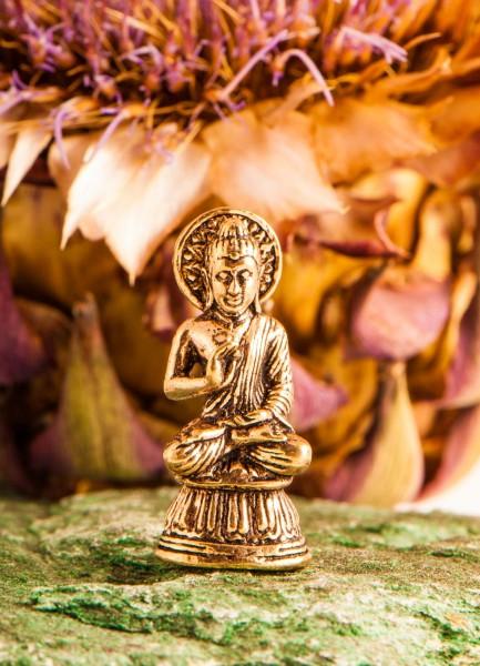Segnender Buddha