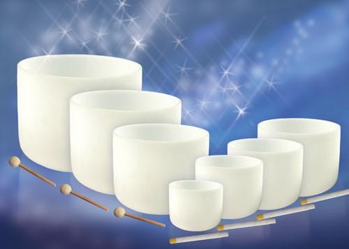 Kristallklangschalen-Set auf Töne abgestimmt