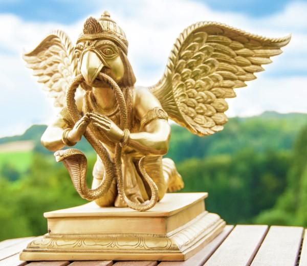 Garuda aus Messing