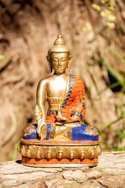 Medizin-Buddha aus Messing mit Steinen